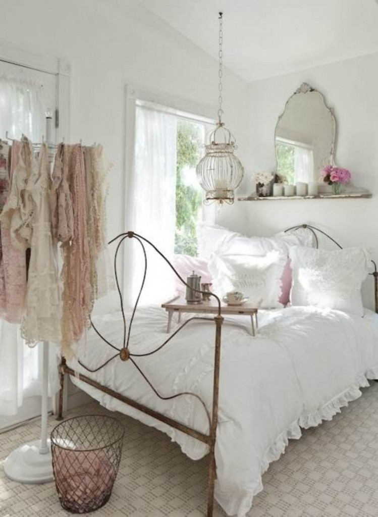 Shabby-Chic-Bedrooms-forblog-749x1024
